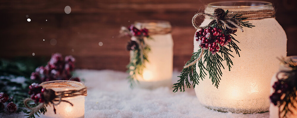Mason jar lanterns for Christmas decor idea