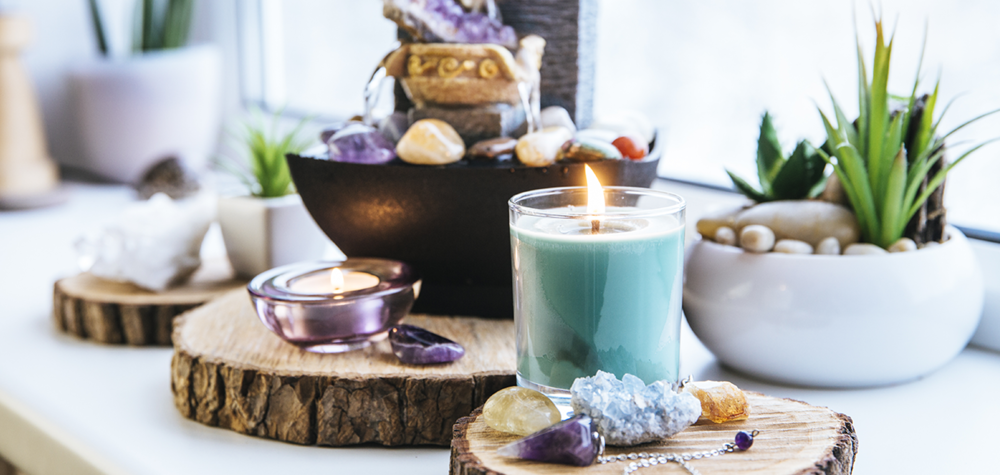 Plants and candles for Feng Shui design