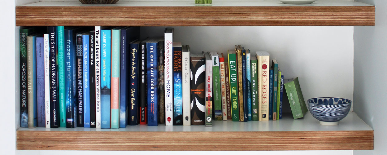 Decorating idea for floating wall shelves